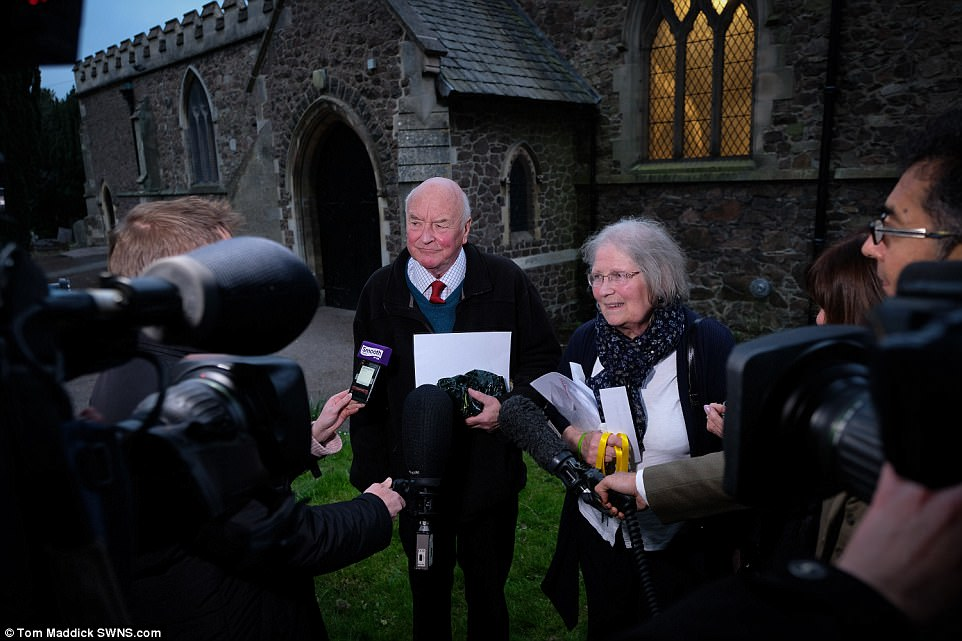 Mccanns join villagers at church today 3FE9266B00000578-4470752-image-a-44_1493841598425