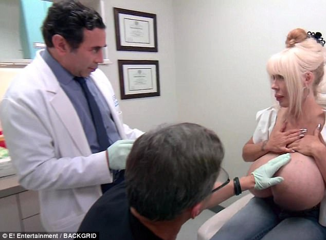 Porn star with 'illegal' O-cup breasts that wouldn't stop GROWING finally seeks help after contracting potentially lethal infection 42A1D84100000578-4724152-Terry_Dubrow_and_Paul_Nassif_examine_Starr_s_breasts_before_offe-m-14_1500885159829