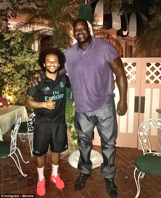 ¿Cuánto mide Shaquille O'Neal? - Altura - Real height 42AA0D9100000578-0-image-a-14_1500969933752