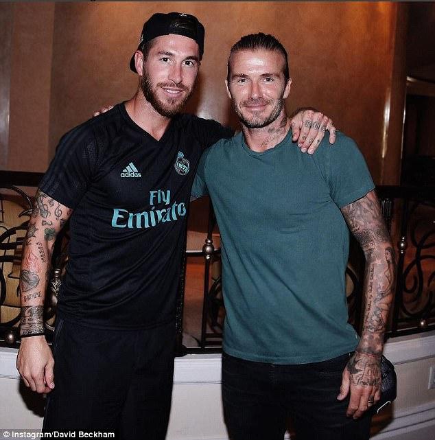 ¿Cuánto mide David Beckham? - Altura - Real height 42B0E85A00000578-4730854-image-a-65_1501050736940