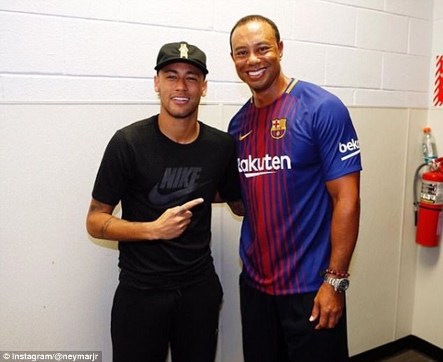 ¿Cuánto mide Tiger Woods? - Altura - Real height 42D11D1C00000578-0-image-m-40_1501404880609