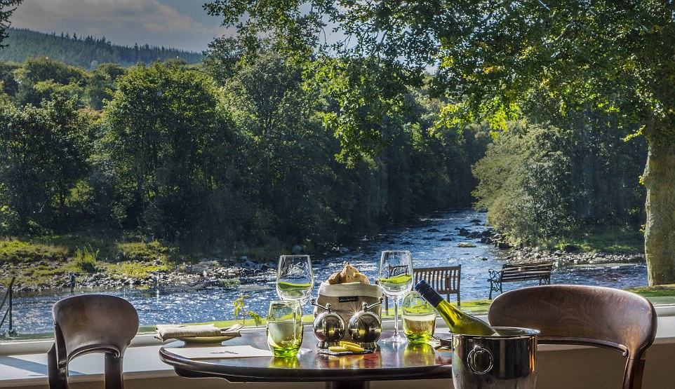 Are these the best tables in Britain? The most stunning restaurant views in the country revealed (from dramatic cityscapes to awe-inspiring Highland mountains)  430D3B8E00000578-4768316-image-a-143_1502119278288