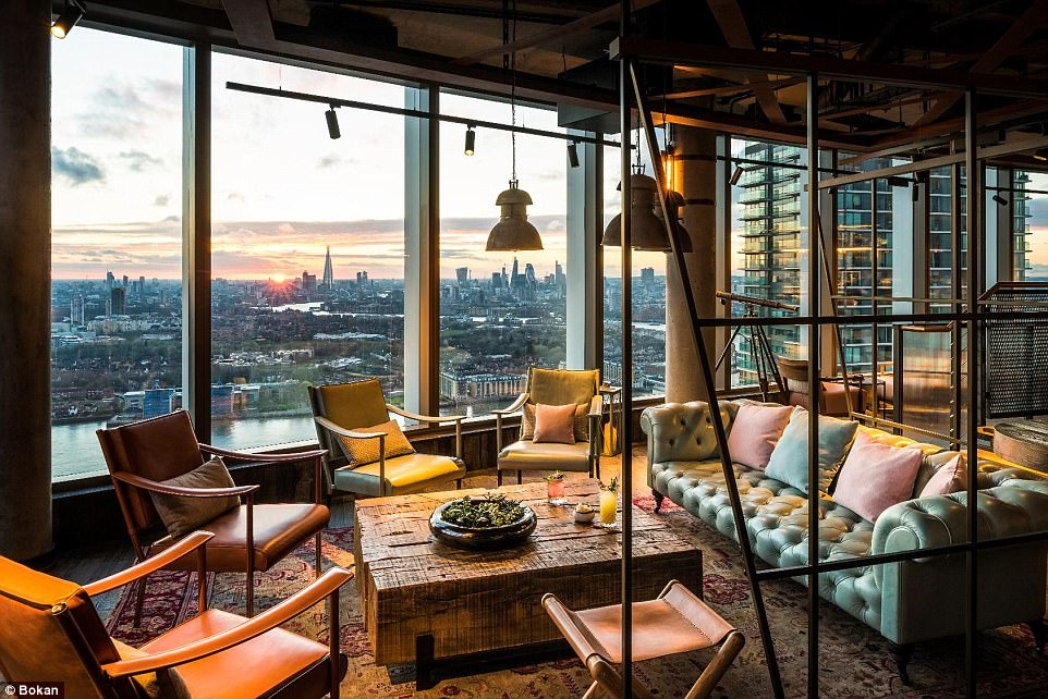 Are these the best tables in Britain? The most stunning restaurant views in the country revealed (from dramatic cityscapes to awe-inspiring Highland mountains)  430D3BA200000578-4768316-image-a-136_1502119278177