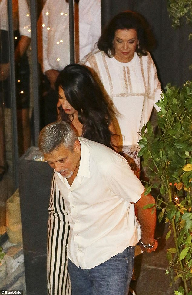 Amal Clooney Enjoys Dinner Date in Italy With George Clooney and Her Mom 431268B800000578-0-image-a-24_1502211809122