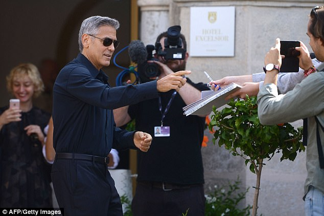 George and Amal and party at Da Ivo Venice tonight 43D0D10000000578-4846262-image-a-23_1504347169049