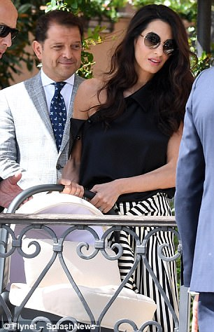 George and Amal enjoy relaxing day out with children 43DDA75900000578-0-image-m-327_1504446999346