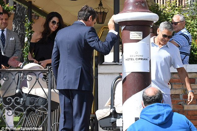 George and Amal enjoy relaxing day out with children 43DDA85100000578-0-image-a-335_1504447058743