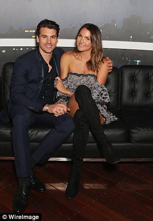 Matty Johnson - Laura Byrne - Bachelor Australia - Season 5 - Fan Forum - Page 6 450B45BD00000578-4950466-image-a-49_1507170055147