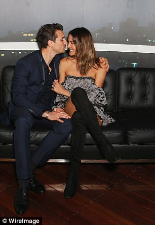 Matty Johnson - Laura Byrne - Bachelor Australia - Season 5 - Fan Forum - Page 6 450B45D000000578-4950466-image-a-48_1507170055105