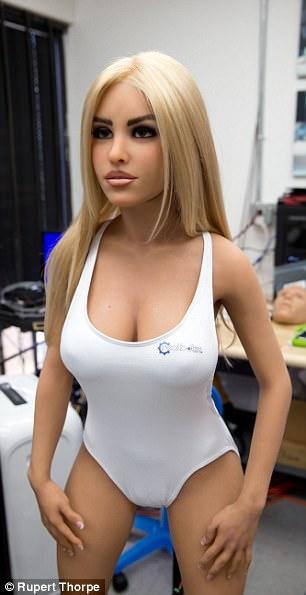 Sexo con robots, la metamorfosis del placer para el siglo XXI no exenta de riesgos 45C8FB2C00000578-5027573-image-m-85_1509222509274