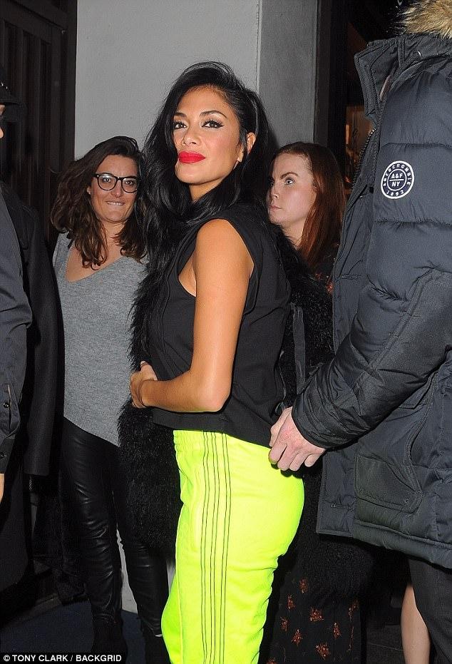 Nicole Scherzinger - Página 9 46B3BFBF00000578-5118255-image-a-50_1511692798405