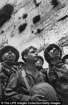 The Serious Side - part 4 - Page 7 46E4CC9500000578-5148449-Israeli_soldiers_after_capturing_East_Jerusalem_from_Jordan_in_1-a-18_1512497905122