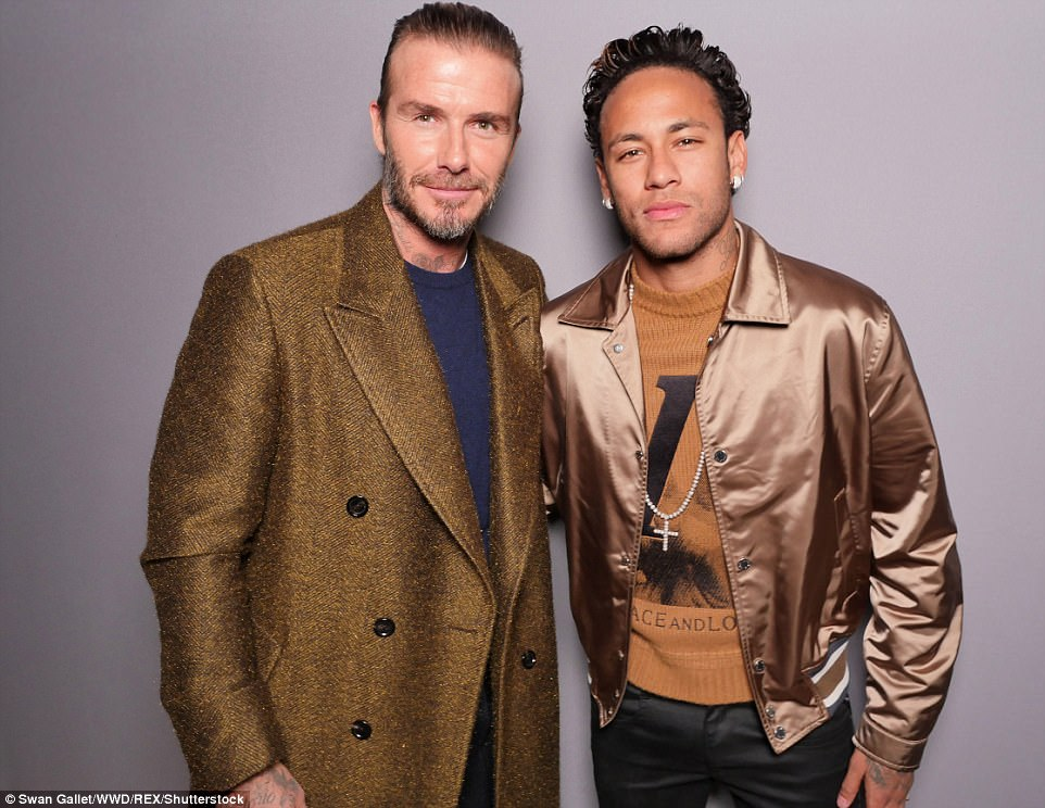 ¿Cuánto mide Neymar? - Altura y peso - Real height 4845CCEA00000578-5284415-Neymar_met_with_David_Beckham_at_Paris_Fashion_Week_after_Wednes-a-288_1516293898599