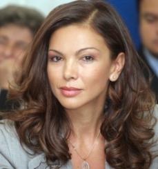 Nina Dobrev - Страница 2 T245_68032375