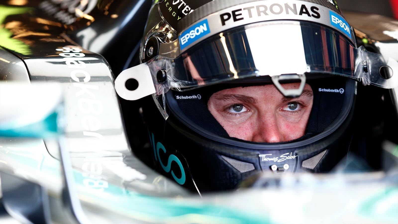 Spécial Sebastian Vettel (Formule un) - Page 11 1434727-30691418-1600-900