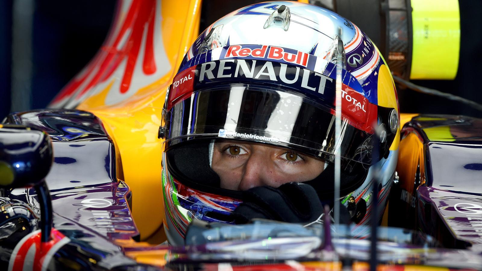 Spécial Sebastian Vettel (Formule un) - Page 11 1434876-30694398-1600-900