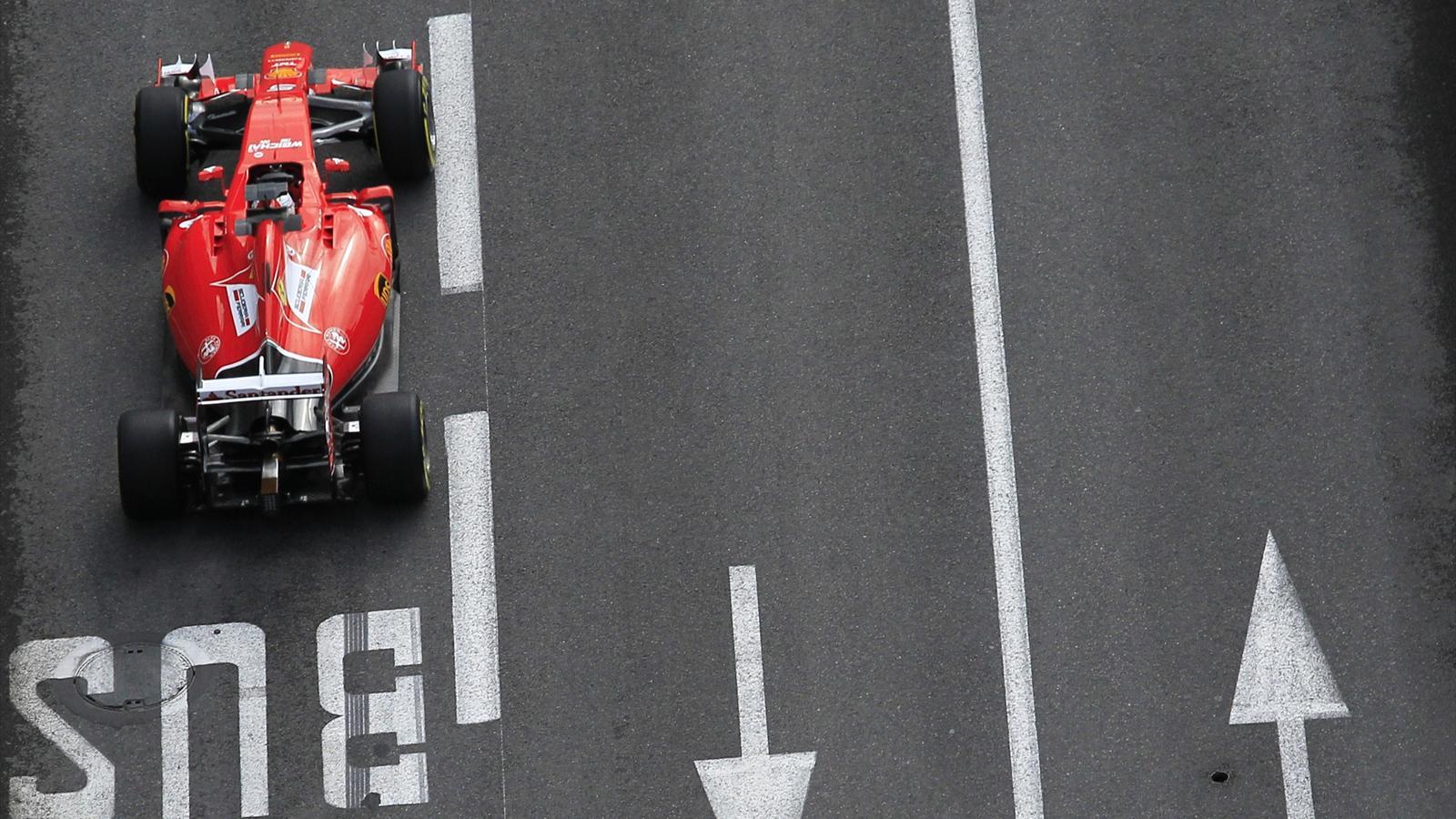 Spécial Sebastian Vettel (Formule un) - Page 19 1564934-33296046-1600-900