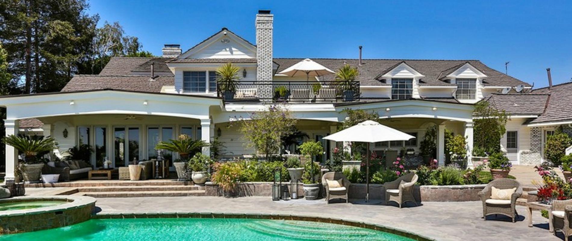 Choisisez votre maison préférée - Page 35 Jennifer-lopez-vend-sa-maison-californienne