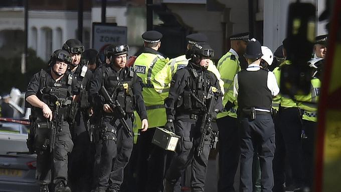 Explosion «terroriste» dans le métro à Londres XVM70c3fbec-99fb-11e7-861a-70d946fbab19