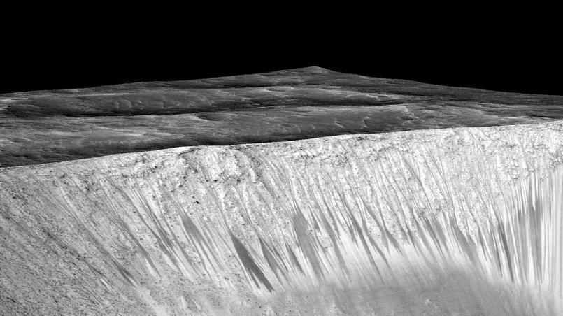 [Nasa] De l'eau coule encore sur Mars ! XVMf3b888b6-65f9-11e5-8e52-1e8eb53624d5-805x453