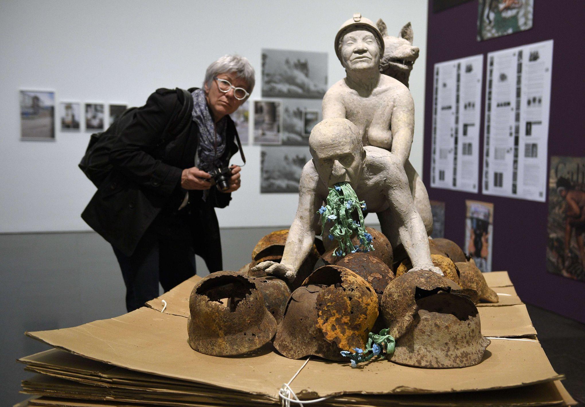 Les sculptures les plus insolite  - Page 6 XVMb1ffdaa4-d21b-11e4-b54a-8931a27c34fa