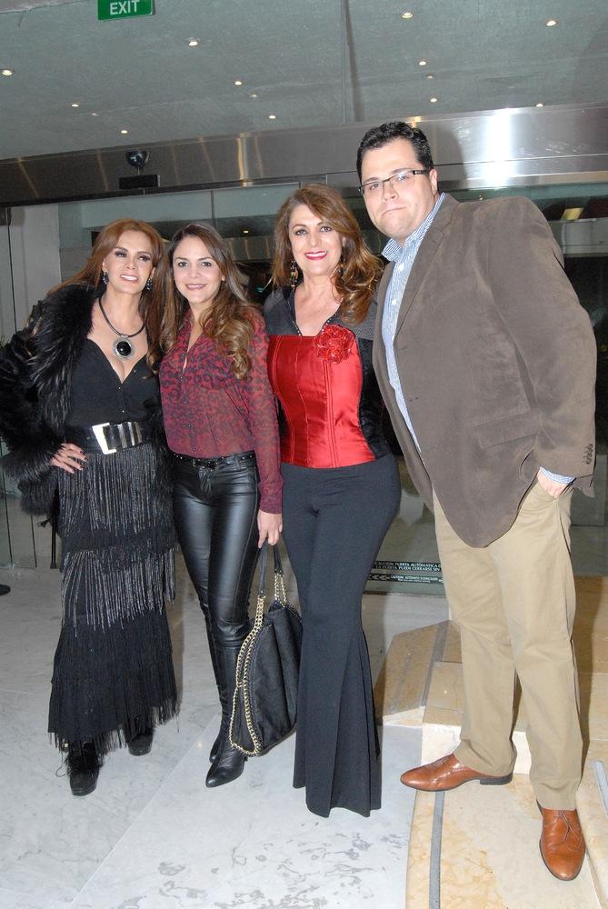 Лусия Мендес/Lucia Mendez 5 - Страница 2 Slide_334960_3363759_free