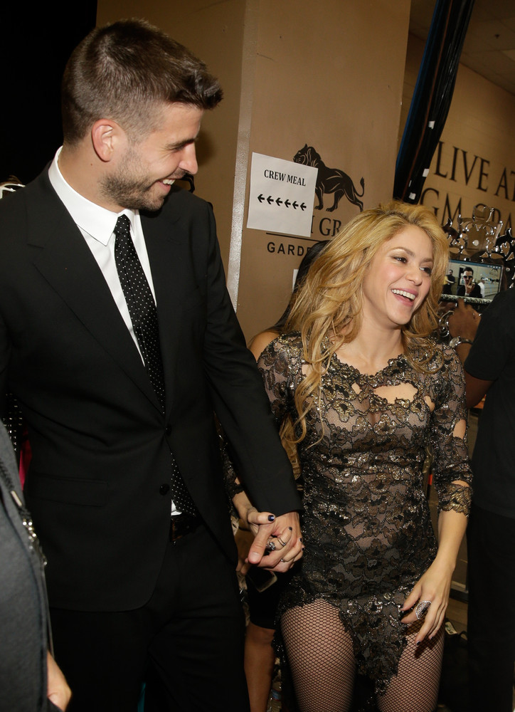 Shakira and Pique. - Page 3 Slide_350076_3753303_free