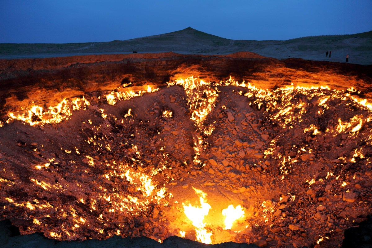 9 Staggering Pictures Of Turkmenistan's 'Door To Hell' Slide_355212_3894642_free