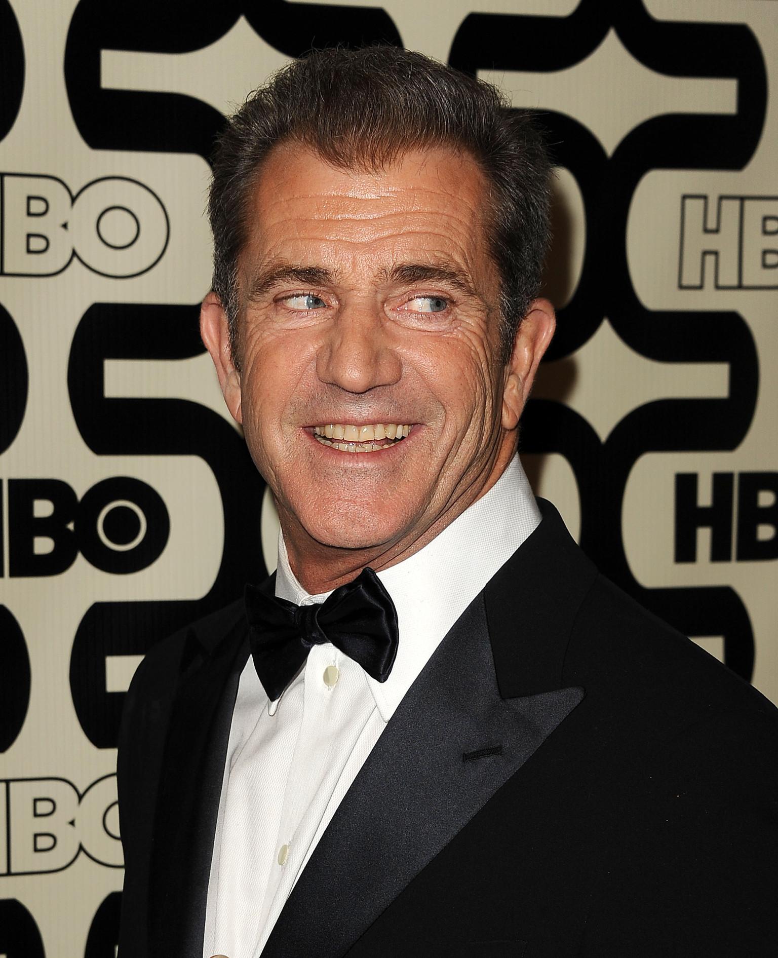 Mel Gibson O-MEL-GIBSON-facebook