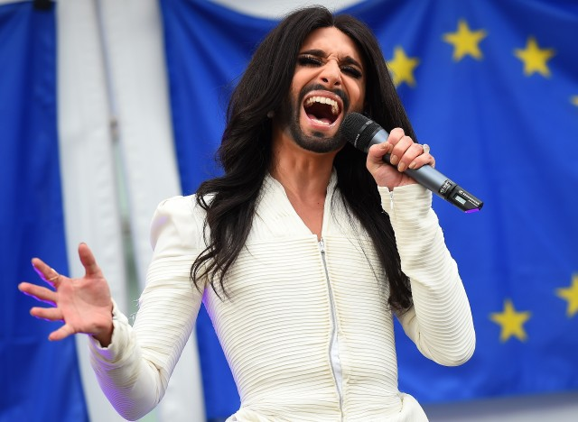 [Jeu] Association d'images - Page 2 A-CONCHITA-WURST-640x468