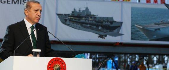 تركيا تصنع سفينة برمائية.. وأردوغان يعلن التخلص من الاعتماد على السلاح الخارجي بحلول عام 2023 N-ERDOGAN-large570