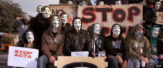 Acta : l'Europe va saisir la Cour européenne de justice R-ACTA-MANIFESTATION-ANONYMOUS-large570