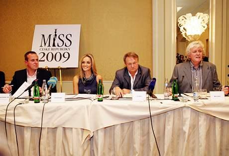 Kucharova - Official Thread of Miss World 2006 - Tatana Kucharova (Czech Republic) VED2693de_ZG0H2436rez