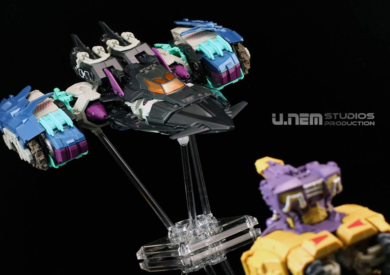 [Mastermind Creations] Produit Tiers - R-17 Carnifex - aka Overlord (TF Masterforce) - Page 2 3467MiA9