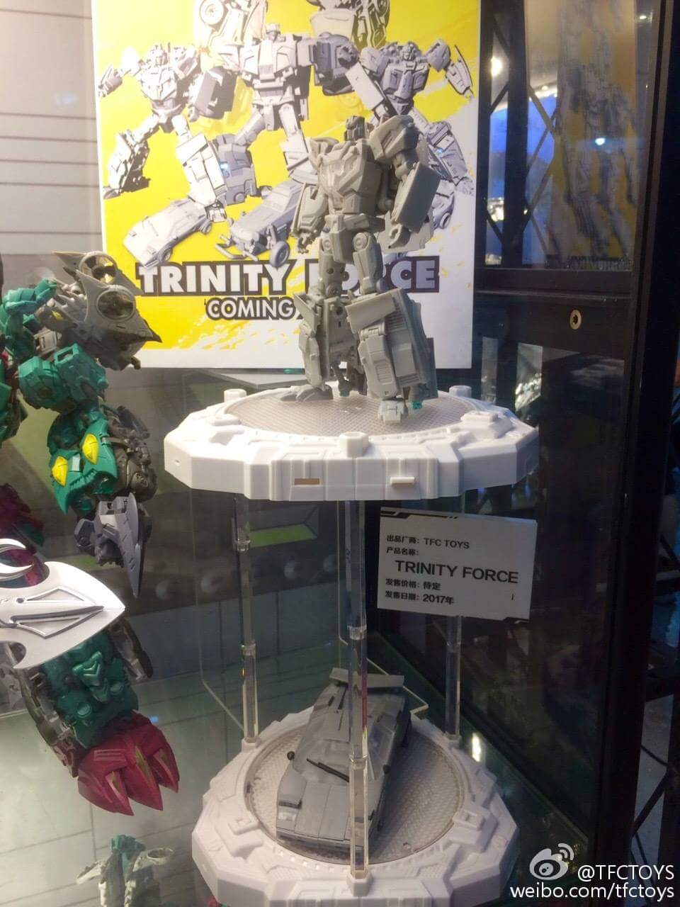 [TFC Toys] Produit Tiers - Jouet Trinity Force aka Road Caesar (Transformers Victory) 3b1IlBxt