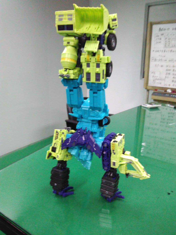 [Toyworld] Produit Tiers - Jouet TW-C Constructor aka Devastator/Dévastateur (Version vert G1 et jaune G2) - Page 2 42R5mSYo