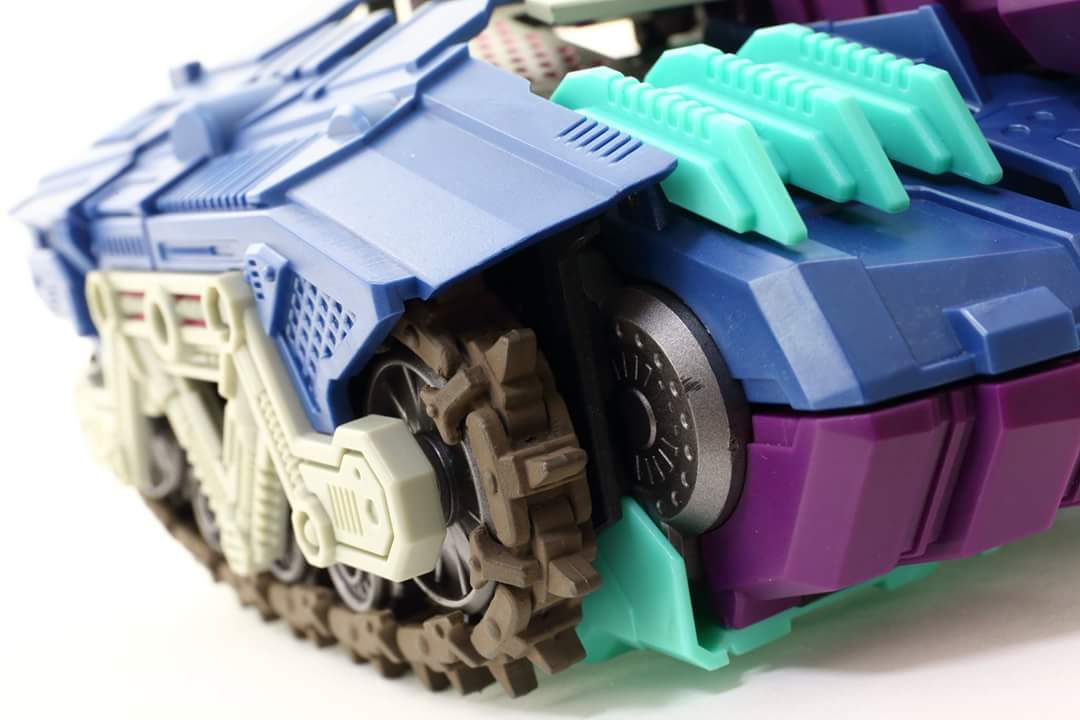 [Mastermind Creations] Produit Tiers - R-17 Carnifex - aka Overlord (TF Masterforce) - Page 3 49v6qKaO