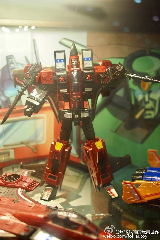 [ToyWorld] Produit Tiers - TW-M02A Combustor (Ramjet/Statoréacto), TW-M02B Assault (Thrust/Fatalo), TW-M02C Requiem (Dirge/Funébro) - Page 2 4yLpTlS8