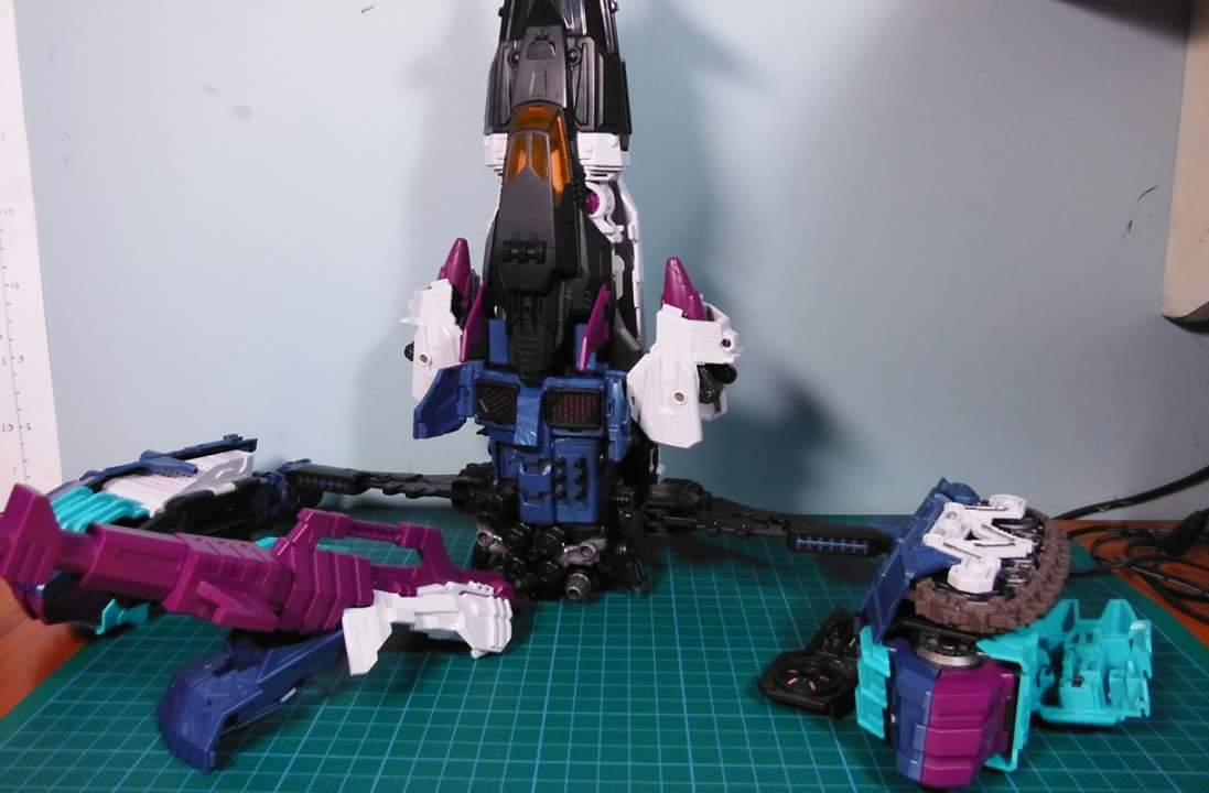[Mastermind Creations] Produit Tiers - R-17 Carnifex - aka Overlord (TF Masterforce) - Page 3 5wk4fDXC