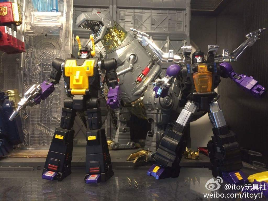 [Fanstoys] Produit Tiers - Jouet FT-12 Grenadier / FT-13 Mercenary / FT-14 Forager - aka Insecticons - Page 3 7Zlsf95t