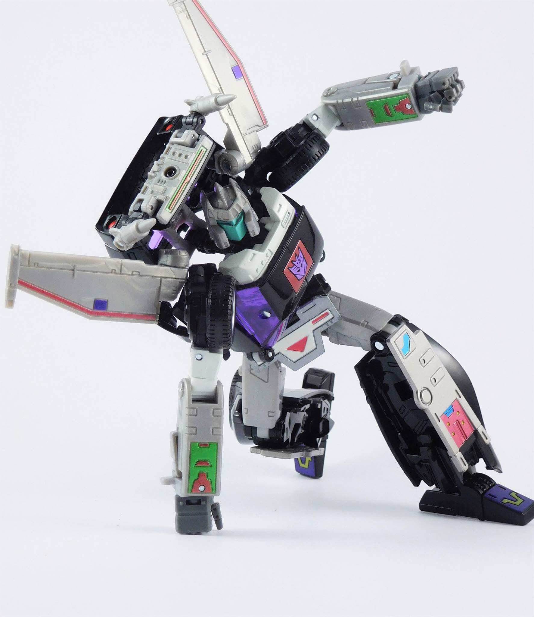 [Masterpiece] MP-25L LoudPedal (Rouge) + MP-26 Road Rage (Noir) ― aka Tracks/Le Sillage Diaclone - Page 3 9YbohKfw