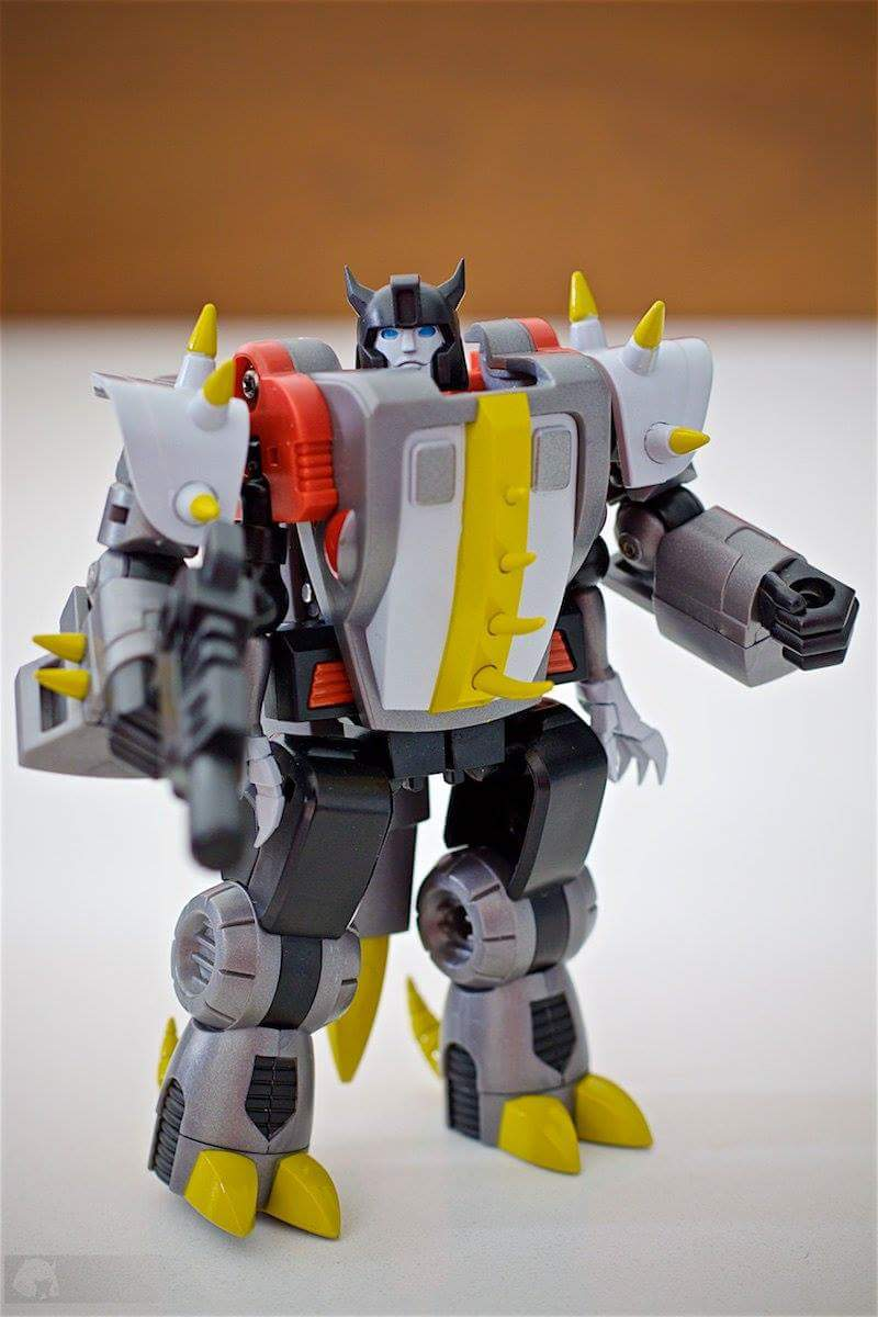 Produit Tiers: [Corbot V] CV-002 Mugger - aka Allicon   [Unique Toys] G-02 Sharky - aka Sharkticon/Requanicon AbfvCANN