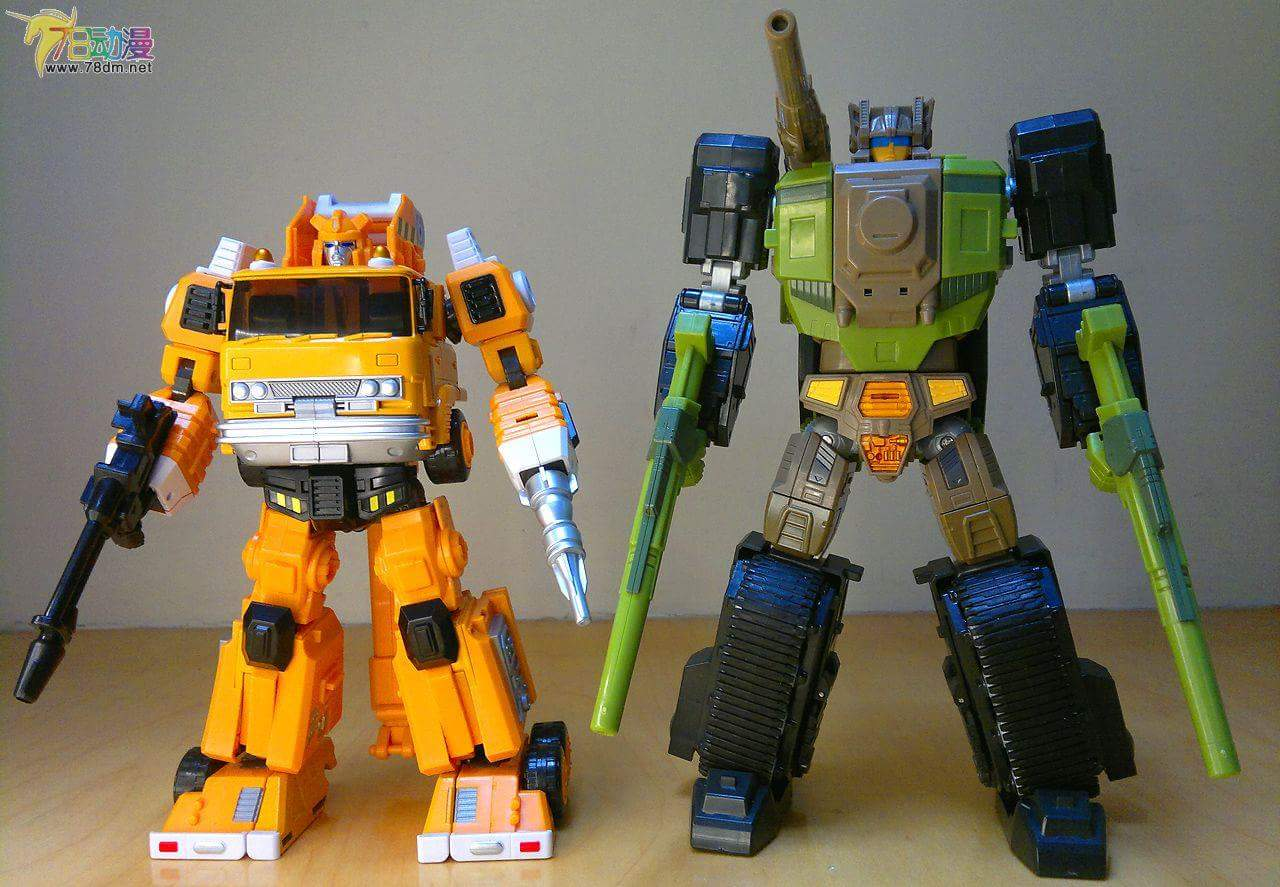 [Maketoys] Produit Tiers - MTRM-03 Hellfire (aka Inferno) et MTRM-05 Wrestle (aka Grapple/Grappin) - Page 4 C9OF0oep