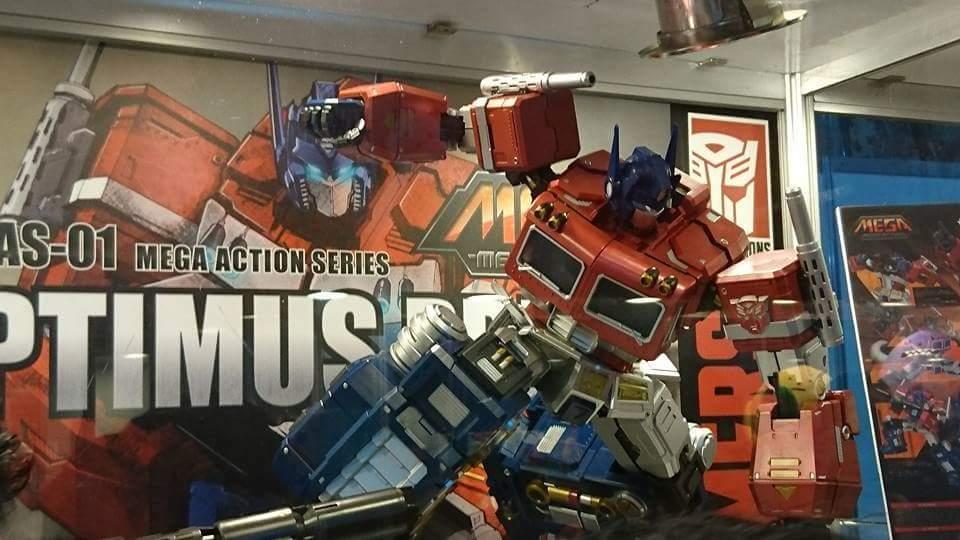 Figurines Transformers G1 (articulé, non transformable) ― Par ThreeZero, R.E.D, Super7, Toys Alliance, etc - Page 4 CoFL3HvT