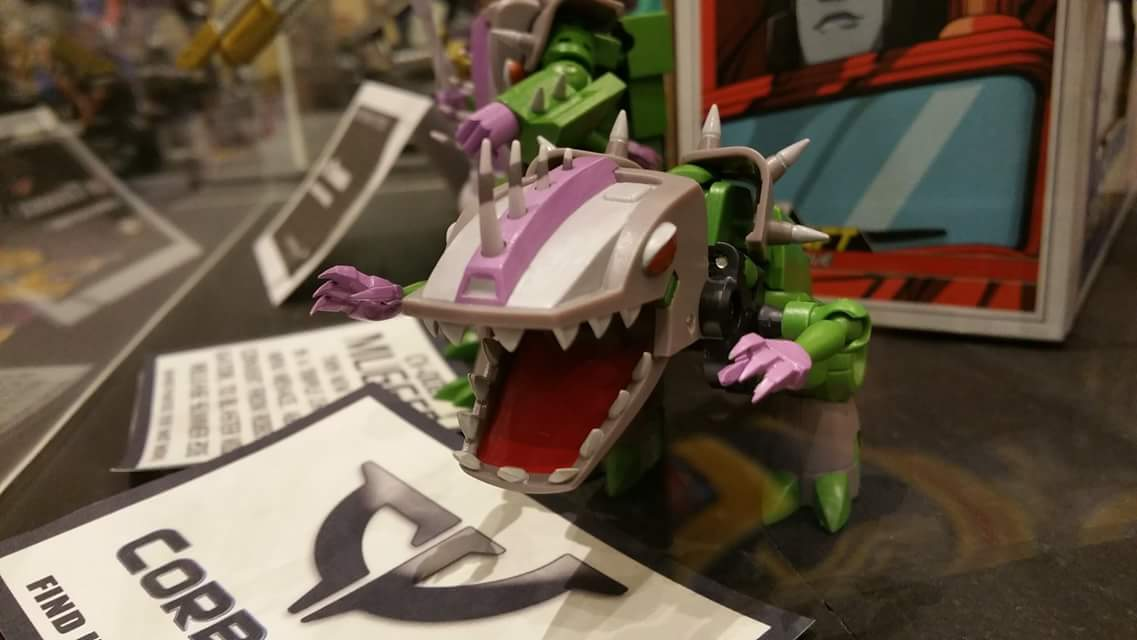 Produit Tiers: [Corbot V] CV-002 Mugger - aka Allicon   [Unique Toys] G-02 Sharky - aka Sharkticon/Requanicon DVyLFQvr