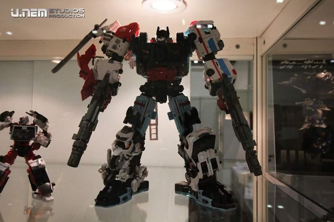 [MakeToys] Produit Tiers - Jouet MTCM-04 Guardia (aka Protectobots - Defensor/Defenso) - Page 2 Do9z3bxI