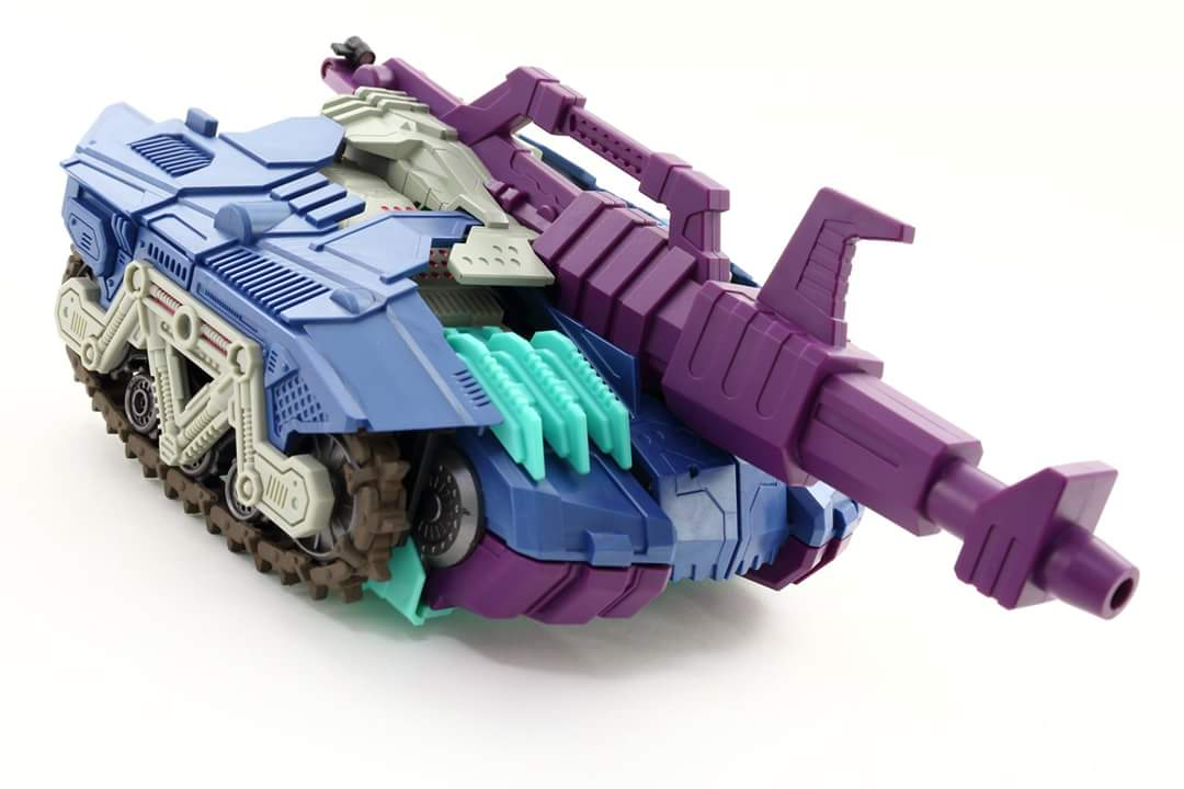 [Mastermind Creations] Produit Tiers - R-17 Carnifex - aka Overlord (TF Masterforce) - Page 3 EWi6dDuA