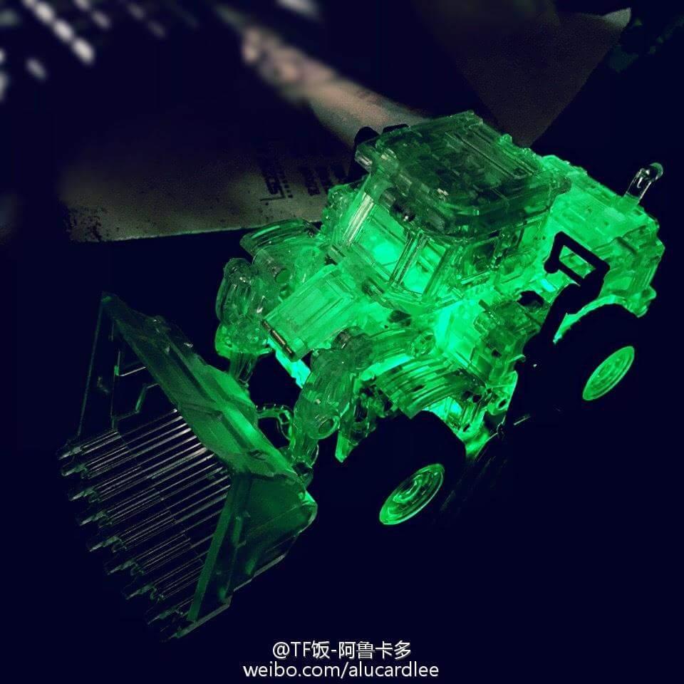[Generation Toy] Produit Tiers - Jouet GT-01 Gravity Builder - aka Devastator/Dévastateur - Page 4 ElzTvSxT