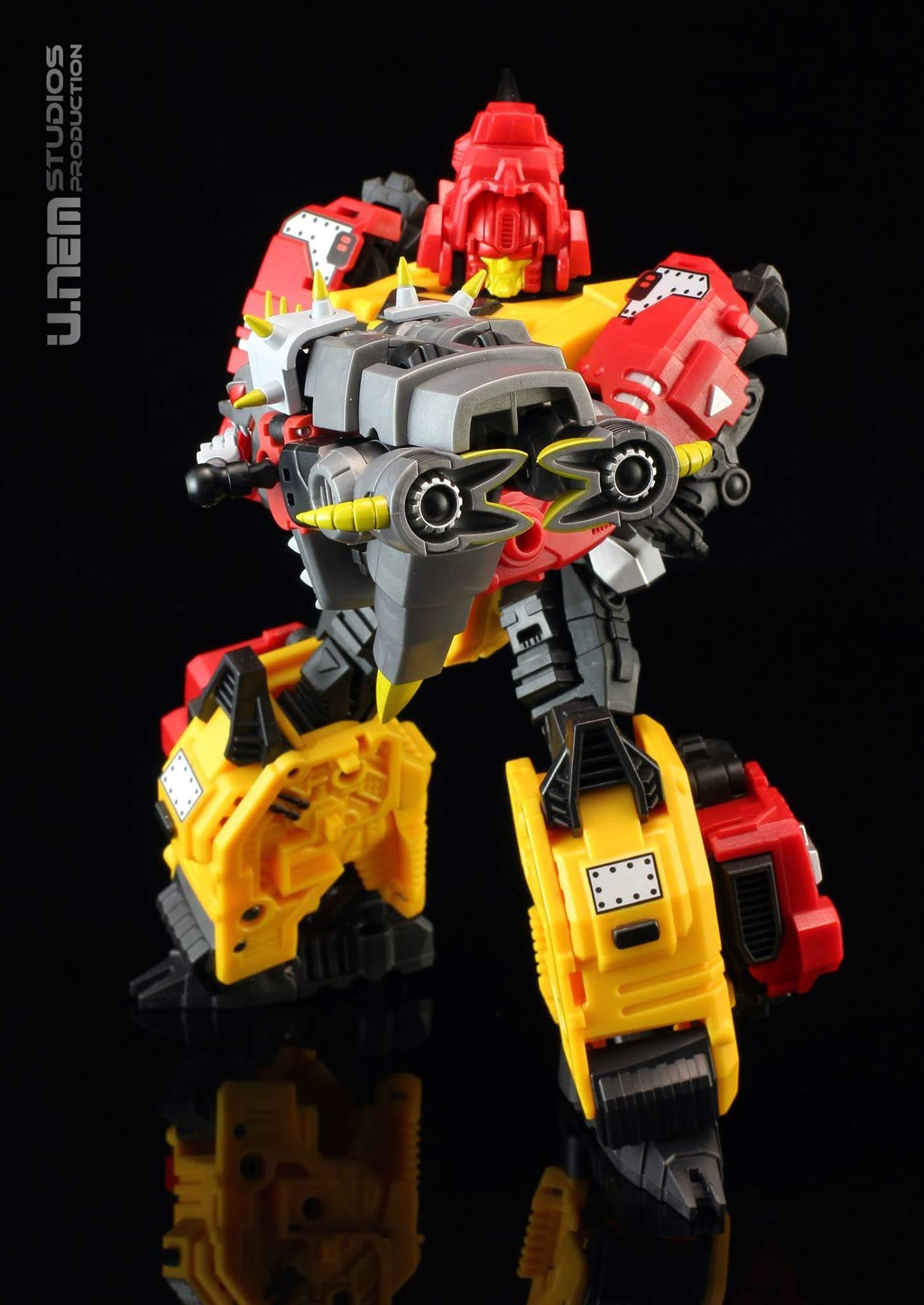 Produit Tiers: [Corbot V] CV-002 Mugger - aka Allicon   [Unique Toys] G-02 Sharky - aka Sharkticon/Requanicon FN8DnBSr