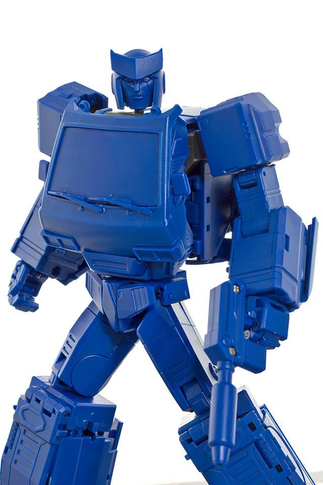[Voodoo Robots] Produit Tiers - Salus (aka Ratchet/Mécano) & Animus (aka Ironhide/Rhino) G5FXNQS9